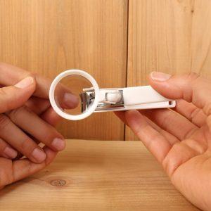 Nagelklippare med förstoringsglas, Vit
